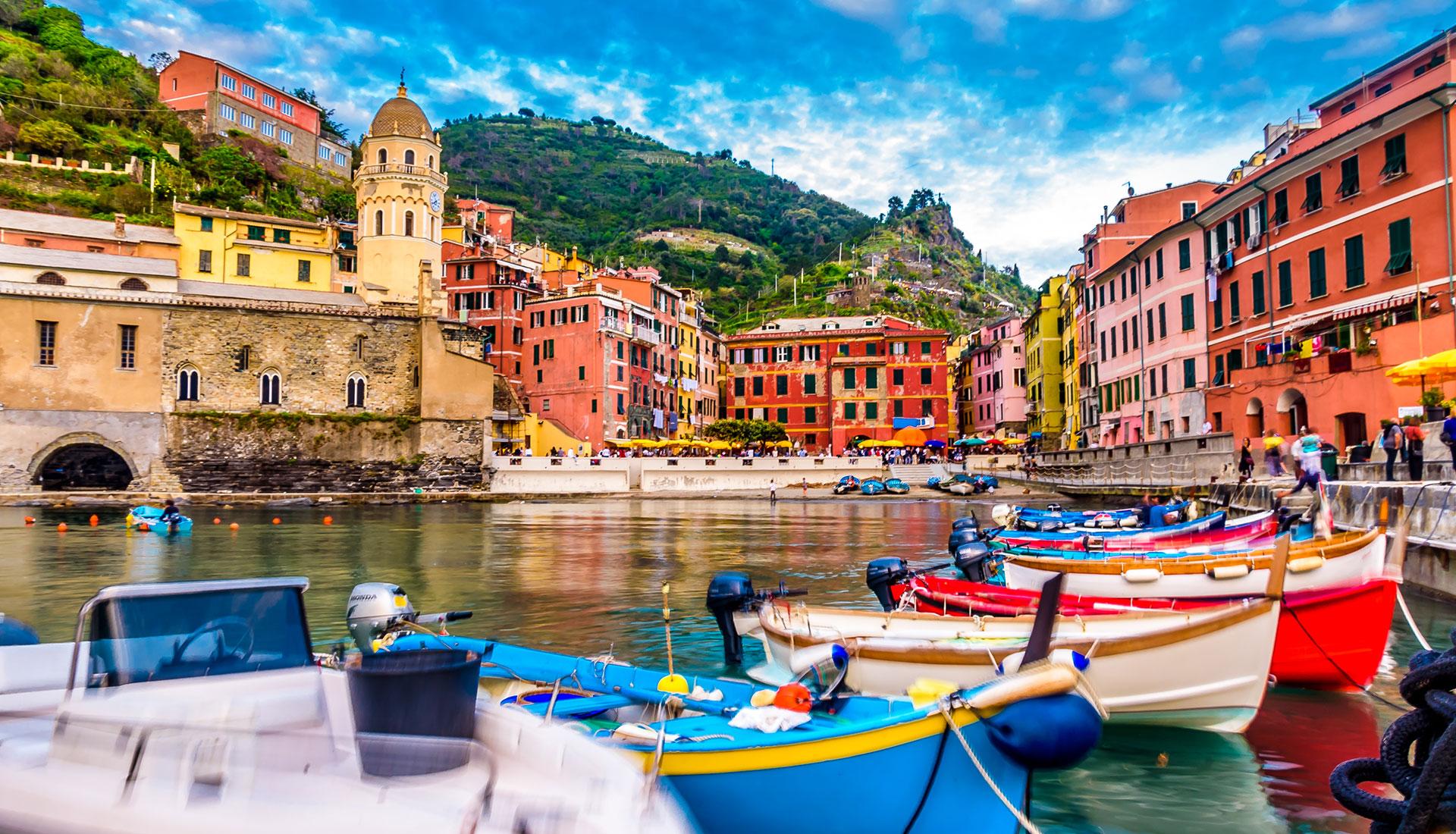 Italy Tour hero Cinque Terre Romantic