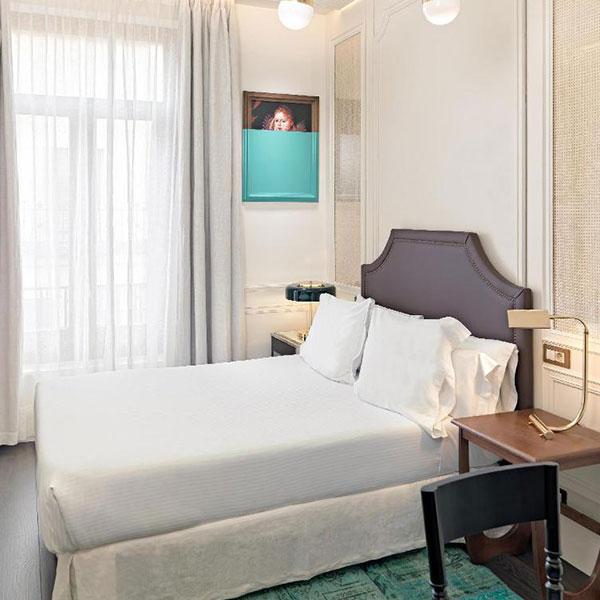 hotel villa de la reina madrid spain